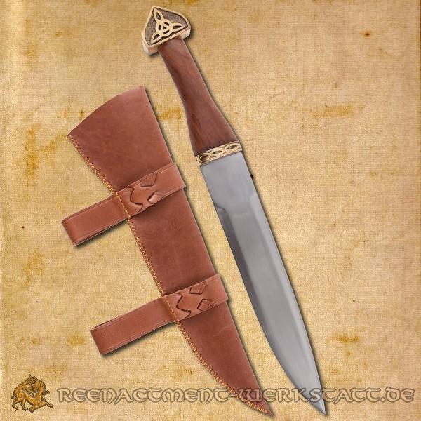 Wikinger-Sax mit brauner Lederscheide, Holzgriff und Verzierungen