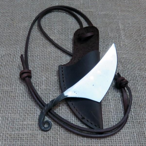 Handgeschmiedetes Neck-Knife / Halsmesser der Wikingerzeit